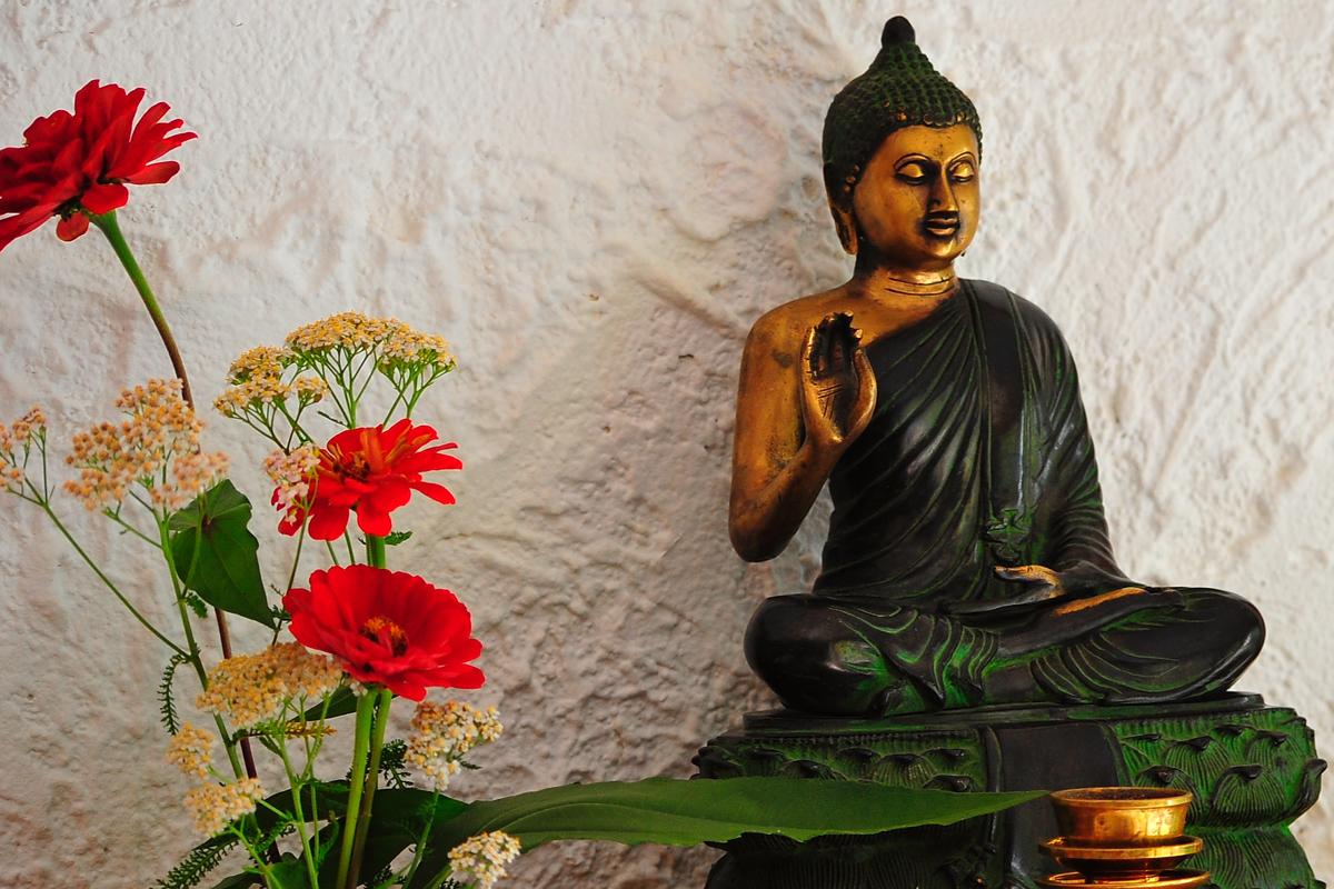 was bedeutet zen zengarten asiatischer garten von grten fr die seele harald lebender was. Black Bedroom Furniture Sets. Home Design Ideas